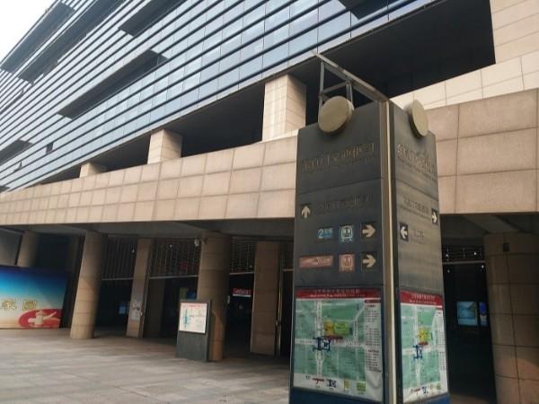 北京地铁东直门交通枢纽中心高空照明升降改造项目
