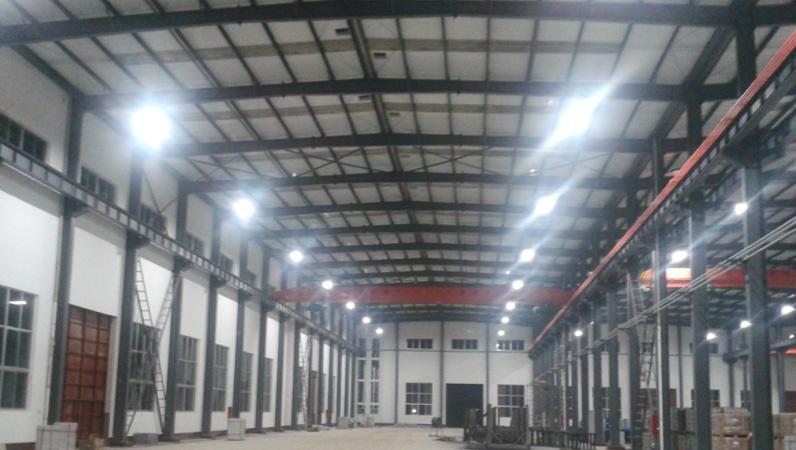 山东省东营工厂项目采用松下四管高频控照灯代替传统金卤灯